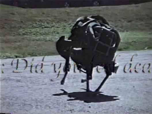 "乔恩·拉夫曼,《霓虹 灯并行1996 》,录像截 屏,2015(图片由艺术 家提供)/ Jon Rafman, ""Neon Parallel 1996"", video stills, 2015 (Courtesy: the artist)"