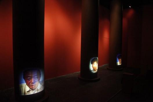 宋冬,《父子.太庙》,展览现场, 1998, Song Dong,