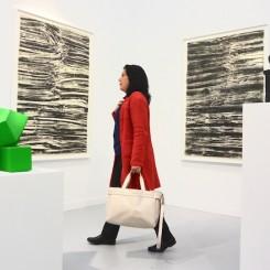 Woman between two Carol Boves at David Zwirner