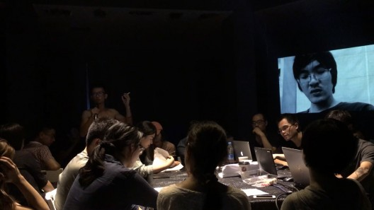 实践论,《轮船》,行为表演,大连,2016 / OnPractice, The Boat, performance, Dalian, 2016.