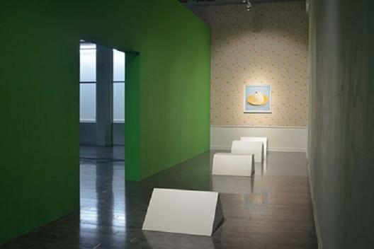 """唐纳天,《奶冻,N种方式》 (感谢天线空间提供配图) / Nadim Abbas, """"Blancmange, N Ways"""". Courtesy of Antenna Space."""