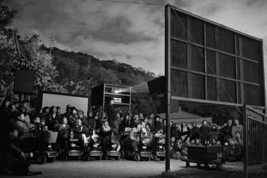 """陈界仁,《风入松》,单频道录像,蓝光光盘、黑白、有声,片长23分17秒,2015 CHEN Chieh-jen, """"Wind Songs"""", single channel video installation, blue-ray disc, b/w, sound in selected portions, 23 min 17 sec, 2015"""