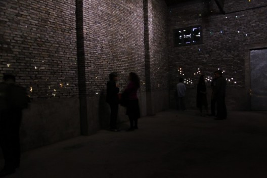 The Overture video installation May 2014 Materials: Projectors,metal supports,LED,brick wall Dimensions variable 《序曲》,影像装置,2014 年 5 月,材料:投影机、金属支架、LED、砖墙,尺寸可变