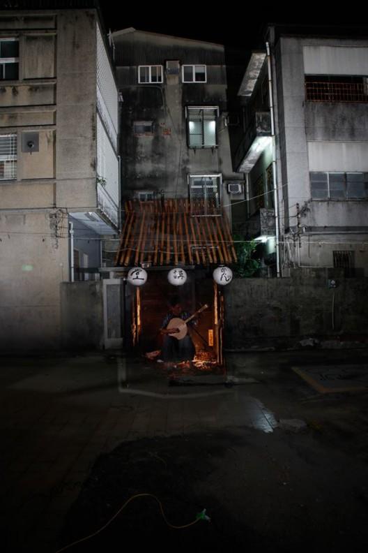 """曾伯豪 & 鬼讲堂,《鬼讲堂》,现场表演,90分钟,2015(全球首演,2016年11月25、26日,纪州庵文学森林) Po-Hao TSENG & Lecture of Ghost, """"Lecture of Ghost"""", Performance, 90 min, 2015 (World primiere at Kishu An Forest of Literature on 25th and 26th November 2016)"""