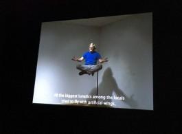 Soren Engsted,《漂浮(Levitation)》,在贾尔迪尼的中心场馆 Soren Engsted, Levitation, at the Central Pavilion in Giardini