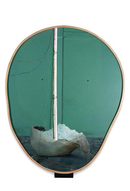 "Handiwirman Saputra, ""Luardalam dan Tuturkarenz"", Acrylic on canvas, with neon installation in glass case, 2 pieces each, 220 x 180 cm, with object, 2016 翰迪怀儿曼·萨普川,《Luardalam dan Tuturkarenz》,布面丙烯,玻璃框,霓虹灯,2件,每件,220 x 180 cm,2016"