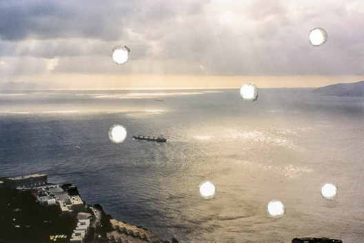 Runo Lagomarsino, Sea Grammar (detail), 2015 80 perforated images in a slide projection carousel  路诺-拉格马西诺,《大海的语法》细节图,2015年 80 perforated images in a slide projection carousel