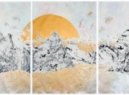 "《the moon and the tides ""settling in""》,Crystal Liu,111.8 x 228.6厘米(三联画)  纸本水粉彩、水彩及拼贴,2017年,图片由世界画廊(Galerie du Monde)提供"