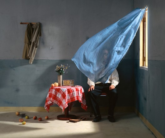 © CHEN WEI Idol Behind The Curtains 2009. Courtesy of Adrien Cheng (K11 Art Foundation)
