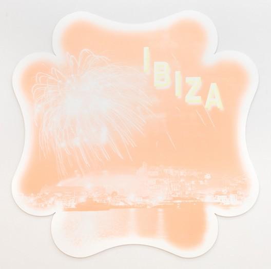 KATHARINA FRITSCH 7. Postkarte (Ibiza), 2007 plastic, silkscreen, paint 140 x 200 cm Photo © Markus Wörgötter, Courtesy: Matthew Marks Gallery © VG Bildkunst