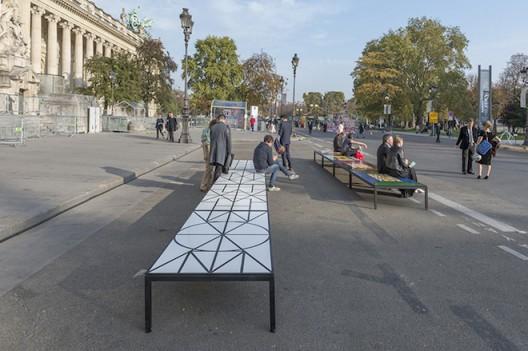 Matt Mullican 5 WORLD, 13 BENCHES 2013 Location: Avenue Winston Churchill, between Grand Palais and Petit Palais, 75008 Paris (courtesy Galerie Mai 36)