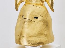 Goldener T-Träger, 90 x 40 x 50 cm, 24 Karat Gold Leaf, Ceramic, 2018 (2)