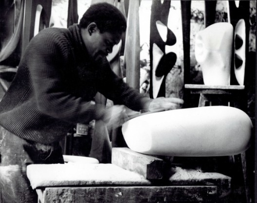 Agustín Cárdenas in his studio, 1965 / Courtesy of the Estate of the Artist and Almine Rech Gallery. Photo: © Martine Franck / Magnum Photos
