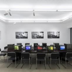 "Ju Anqi: Restricted:Gaze, 2016, Three Channel Color Video, Silent, 17´18"", installation shot雎安奇,《R级: 观癖》,2016,三频彩色视频,17´18"",展览现场"