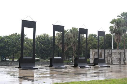 傅中望,《四条屏》,2001,同沙生态公园展览现场