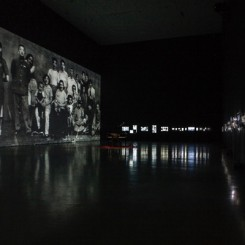Hu Jieming:Synchrony,video,black and white, silent,3 minutes,2016胡介鸣:《共时》,视频,黑白、无声,3分钟,2016年