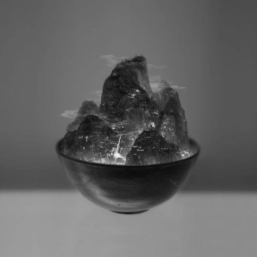 Yang Yongliang, A Bowl of Taipei No.3, Ultra-Giclee Print, 150x150cm, 2012 (image courtesy the artist and SGA) 杨泳梁, 一碗台北之三, 艺术微喷 150x150cm, 2012 (图片致谢艺术家和SGA)