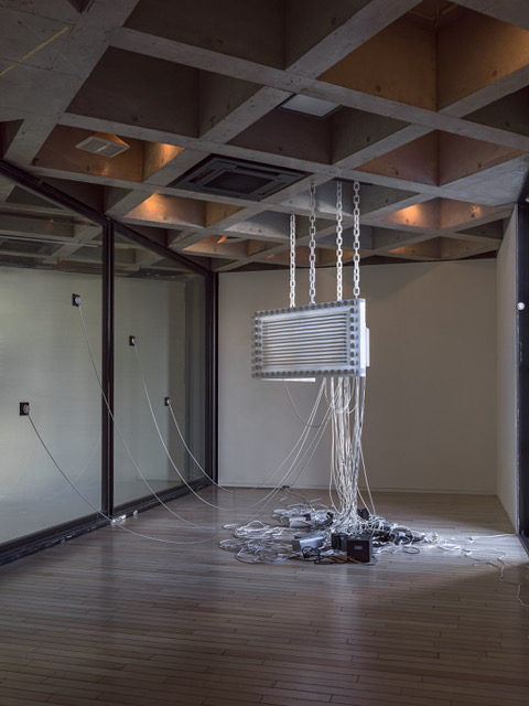 Philippe Parreno, Marquee, 2016 Exhibition view: Philippe Parreno, A Manifestation of Objects, WATARI-UM, The Watari Museum of Contemporary Art, Tokyo, 2019–2020. Photo © Yasushi Ichikawa菲利普·帕雷诺,《灯篷》,2016年。 展览现场:菲利普·帕雷诺,《物象的表现》,东京瓦塔利美术馆 ,2019-2020年。 攝影 © Yasushi Ichikawa
