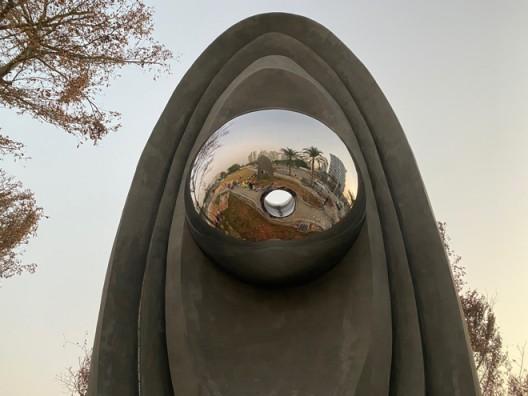 跨媒介艺术家蓝梓雁和LLS 视觉跨媒介工作室的《未来日》作品局部